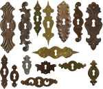 Bäuerliche Schlüsselschilder antik alt historisch Landhausstil nostalgisch rustikal Schrankbeschläge