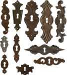 bäuerliche Schlüsselschilder aus Eisen, Schrankbeschläge antik