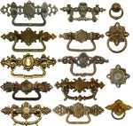 Historismus Griffbeschläge Messing Schrankgriffe antike Möbelbeschläge Nostalgie Kommode