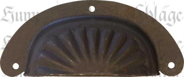 Muschelgriff antik aus Eisen gestanzt und geprägt, dann gerostet und gewachst