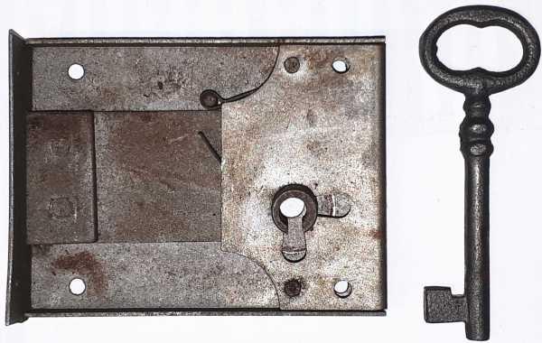 Kastenschloss, Eisen alt, mit Schlüssel, Dorn 55mm rechts, sehr beliebt