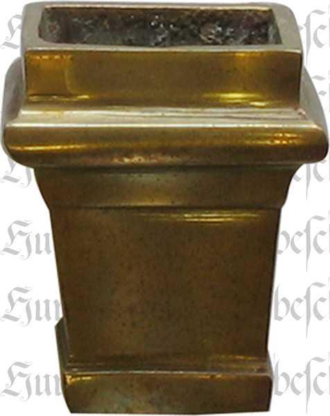 Fußeinfassung Möbelschuh antik, Messing patiniert, Vierkant innen 17mm. Aus Messing gegossen.