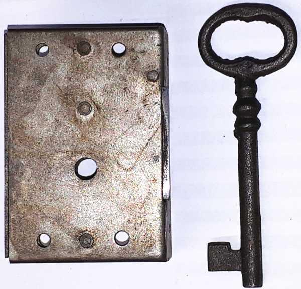 Kastenschloss, alte Schrankschlösser aus Eisen, mit antikem Schlüssel, Dorn 45mm rechts